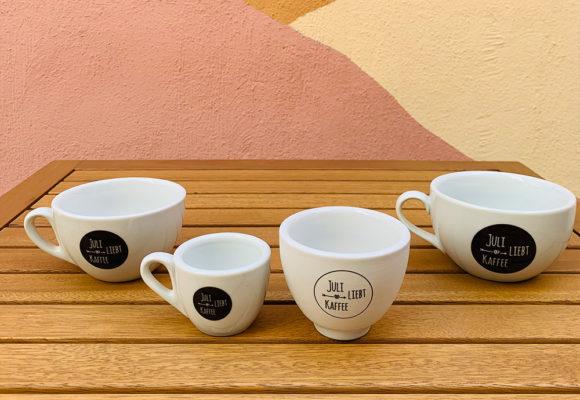 Juli liebt Kaffee - Tassen